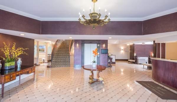 The Roslyn Hotel