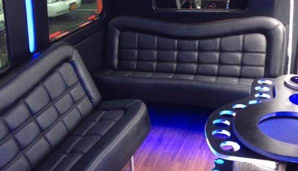 Dynasty Limousine