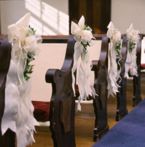 Wedding  Decorations on Church Decorations Pew
