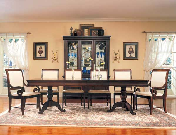 Broyhill Dining Room Set   Interior Design