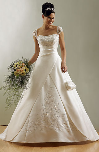 Re Does Anyone NOT Have A Strapless Wedding Gown