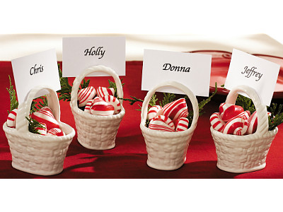 re christmas themed wedding favors