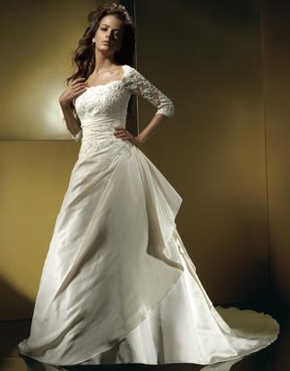 Brides Helping Brides ™ - Plus size wedding dress | LIWeddings