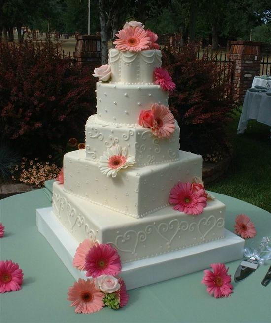 Square And Round Wedding Cakes - Wedding Cake Flavors