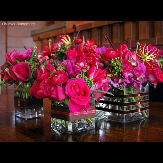 Brides helping brides hot pink green flowers liweddings re hot pink green flowers mightylinksfo