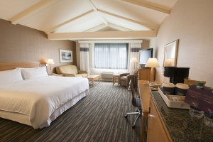 Four Points by Sheraton - Plainview