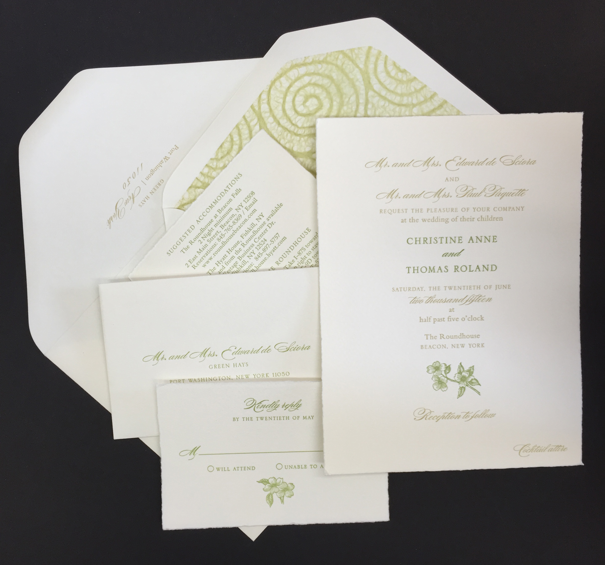 A Perfect Invitation for a Perfect Summer Wedding
