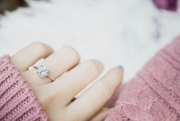 Fabulous Photo Opportunities: Bedazzling Ideas For Showcasing Your E-Ring