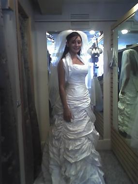 Brides helping brides i got my wedding dress heres a for 5 months pregnant wedding dress